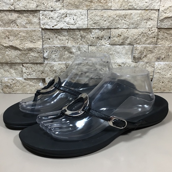 b1842373b22 Vionic Sandals Black Wide Toe Post Thong Karina 11.  M 5b05fb8a05f430cf54a75ec9